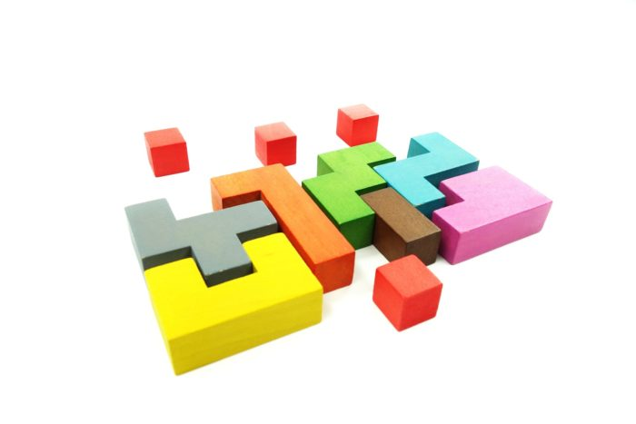 ineinanderfallende Blocks - Sebastian Mey_pixabay